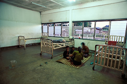image 8-580-5 Laos, Vang Vieng Hospital, Patients eating