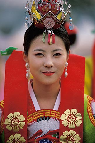 image 2-701-83 South Korea, Andong , Mask Dance Festival, Girl in traditional dress