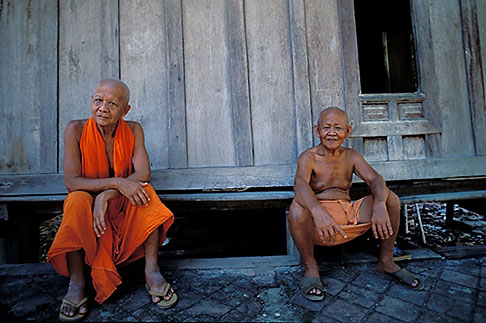 image 8-600-3 Laos, Luang Prabang, Buddhist Monks
