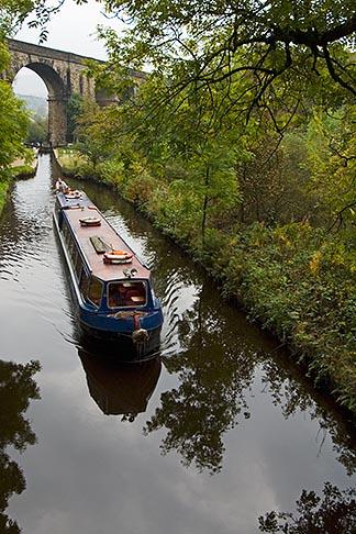 image 7-690-7042 England, Manchester, Huddersfield Narrow Canal