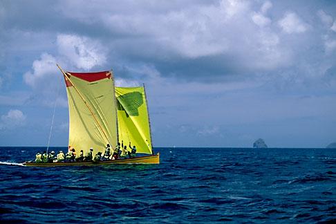 image 8-294-22 Martinique, Yoles rondes racing