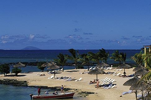 image 9-204-1 Mauritius, Beach, Le Canonnier Hotel, Grand Baie