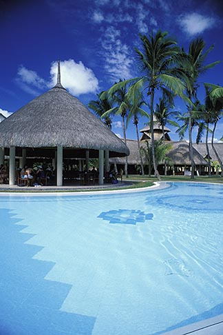 image 9-204-5 Mauritius, Pool, Le Canonnier Hotel, Grand Baie