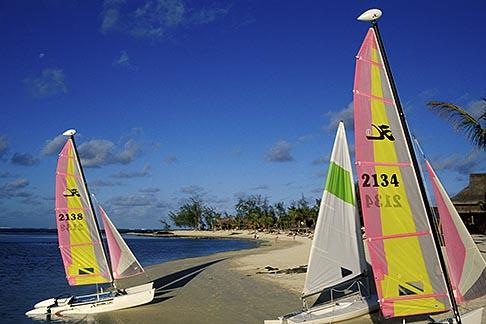 image 9-204-58 Mauritius, Sailboats on beach, Le Prince Maurice Hotel