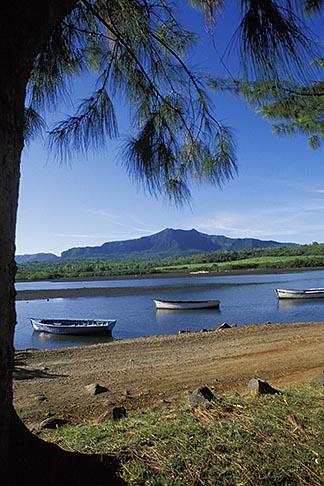 image 9-206-9 Mauritius, Fishing boats, Tamarin Beach