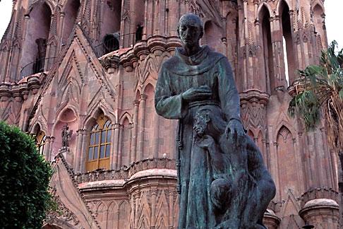 image 4-272-18 Mexico, San Miguel de Allende, Statue of Fray Juan de San Miguel, La Parroquia