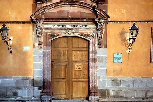 image 4-272-29 Mexico, San Miguel de Allende, Casa de Allende