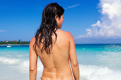 image 4-882-14 Mexico, Riviera Maya, Xpu Ha Beach, woman sunbathing