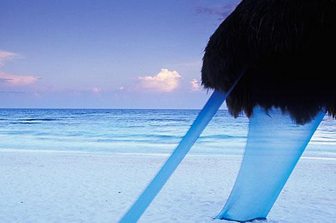 image 4-882-96 Mexico, Riviera Maya, Xpu Ha Beach, Al Cielo, Palapa