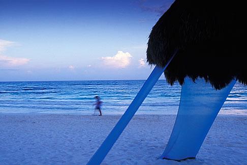 image 4-882-97 Mexico, Riviera Maya, Xpu Ha Beach, Al Cielo, Palapa