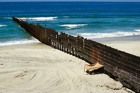 image S4-235-16 Mexico, Tijuana, Mexico USA Border fence