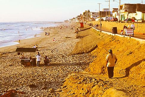 image S4-235-3 Mexico, Tijuana, Playas de Tijuana