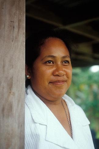 image 9-502-46 Niue, Niuean woman, Avatele Village