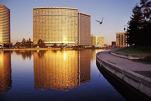 image 3-381-31 California, Oakland, Lake Merritt at dawn