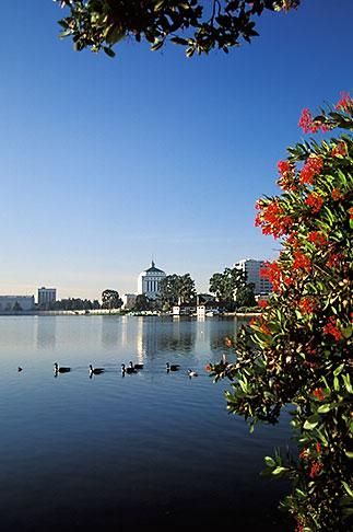 image 3-382-14 California, Oakland, Lakeside Park, Lake Merritt
