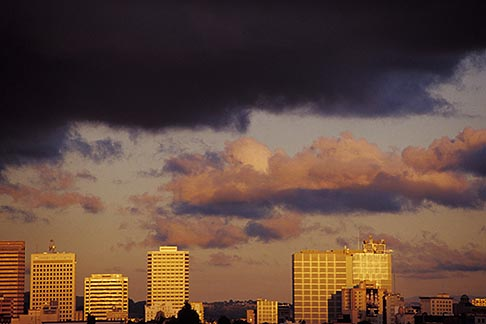 image 9-444-21 California, Oakland , City skyline at sunset