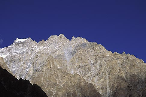 image 4-444-7 Pakistan, Karakoram Highway, Karakoram peaks near Passu