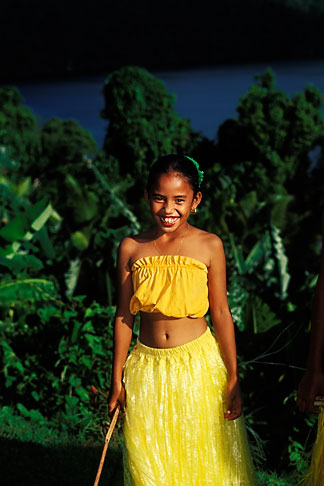 image 8-106-27 Palau, Portrait of young dancer