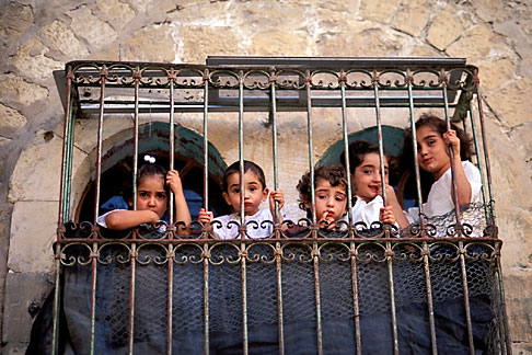 image 9-350-20 Palestine, West Bank, Hebron, Palestinian children