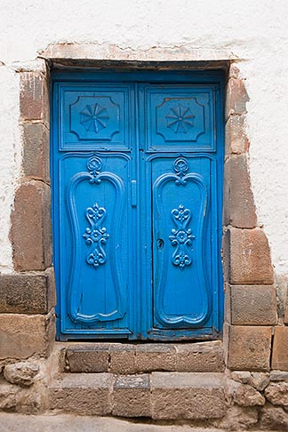 image 8-760-618 Peru, Cuzco, Blue decorated doorway