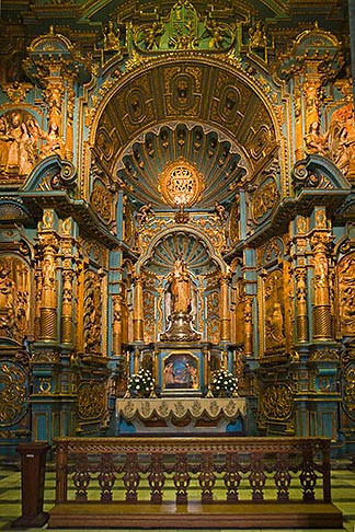 image 8-761-529 Peru, Lima, Lima Cathedral, side altar