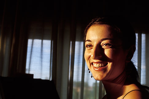image S4-351-41 New Mexico, Santa Fe, Waitress, Swig