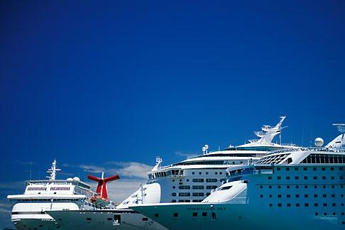 image 1-351-69 Puerto Rico, San Juan, Cruise ships in harbor