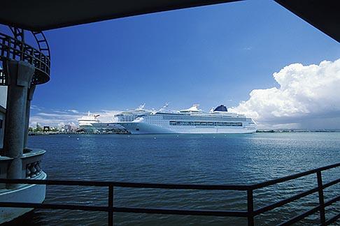 image 1-351-78 Puerto Rico, San Juan, Cruise ships in harbor