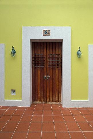 image 1-352-39 Puerto Rico, San Juan, Doorway, Old San Juan
