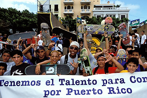 image 1-352-71 Puerto Rico, San Juan, Skateboarders