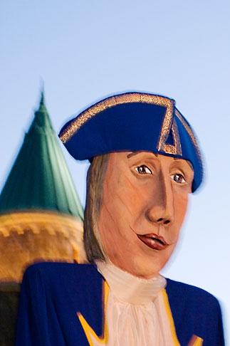 image 5-750-8355 Canada, Quebec City, Fetes de la Nouvelle France, Giant mask in parade
