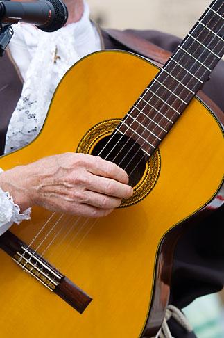 image 5-750-8542 Canada, Quebec City, Fetes de la Nouvelle France, Musician