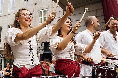 image 5-750-8569 Canada, Quebec City, Fetes de la Nouvelle France, Drummers in parade