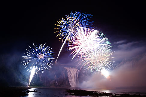 image 5-750-9336 Canada, Quebec City, Loto Quebec International Fireworks Competition