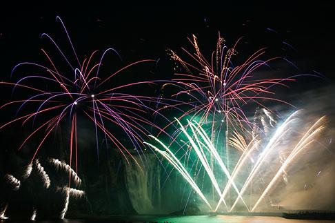 image 5-750-9344 Canada, Quebec City, Loto Quebec International Fireworks Competition