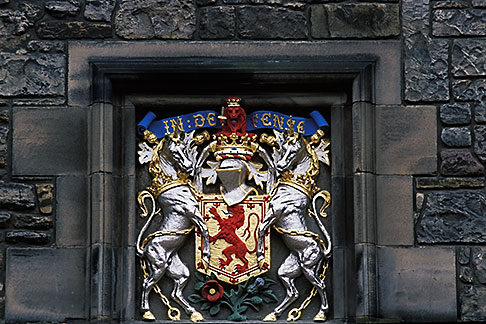 image 1-510-92 Scotland, Edinburgh, Edinburgh Castle, coat of arms