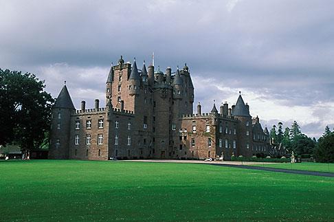 image 1-520-20 Scotland, Angus, Glamis Castle