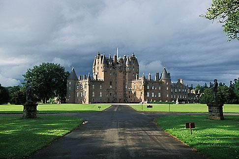 image 1-520-67 Scotland, Angus, Glamis Castle