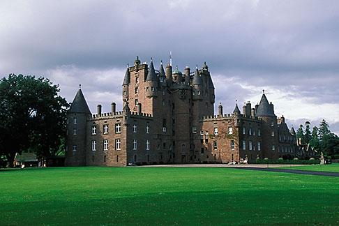 image 1-520-90 Scotland, Angus, Glamis Castle