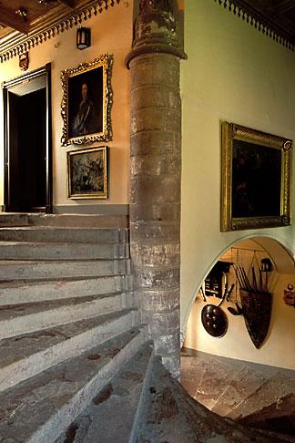 image 1-530-95 Scotland, Aberdeenshire, Fyvie Castle, Great Wheel Staircase