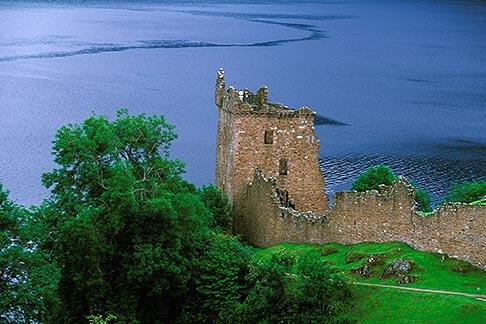 image 1-550-5 Scotland, Loch Ness, Urquhart Castle, Drumnadrochit
