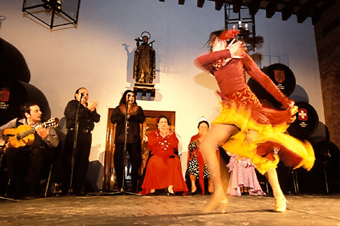 image 1-201-6 Spain, Jerez, Zambra del Sacromonte, flamenco group
