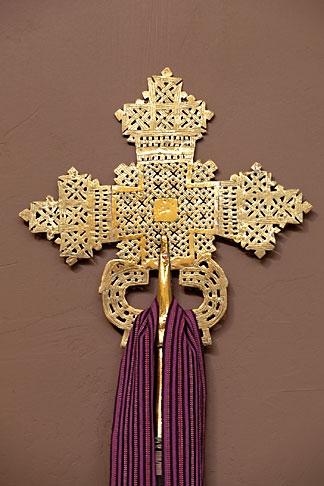 image 7-158-33 Religious Art, Brass Cross