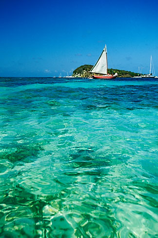 image 3-610-78 Caribbean Beaches, St Vincent, Tobago Cays, Horseshoe Reef, Petit Bateau island