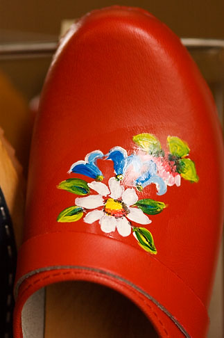image 5-700-4774 Sweden, Red clog