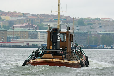 image 5-700-4881 Sweden, Goteborg, Goteborg Harbor, Tugboat