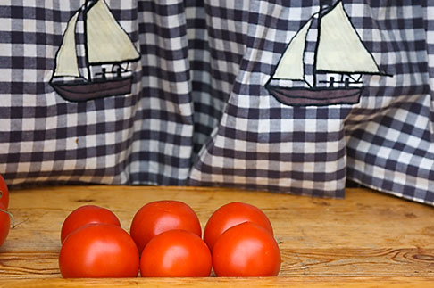 image 5-710-5508 Still life, Tomatoes in window