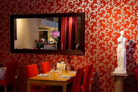 image 5-720-4329 Sweden, Stockholm, Grill restaurant
