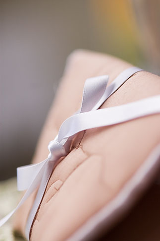 image 5-720-7254 Textiles, Pillow with ribbon