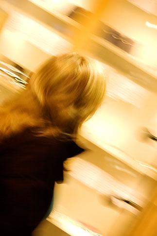 image 5-720-7665 Sweden, Stockholm, Woman shopping